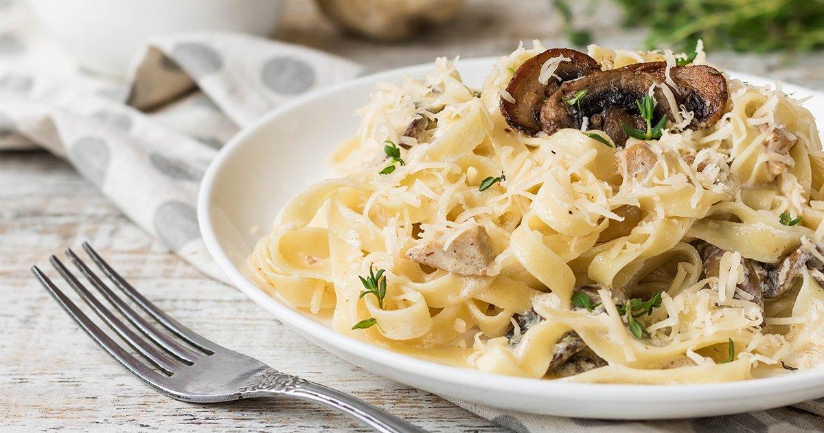 5 простых рецептов с грибами: от шампиньонов на гриле до салата с лисичками | Мел
