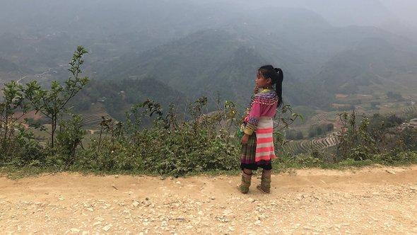 Девочка издеревни черных хмонгов