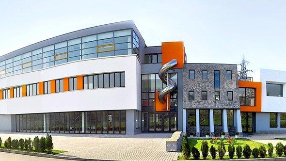Здание школы «Айб»
