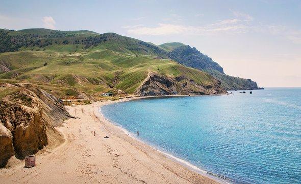 Пляж намысе Меганом. Фото: Shutterstock / Margo Ladygina
