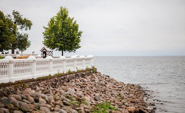 Петергоф. Вид наФинский залив. Фото: Shutterstock / Matreshka1982