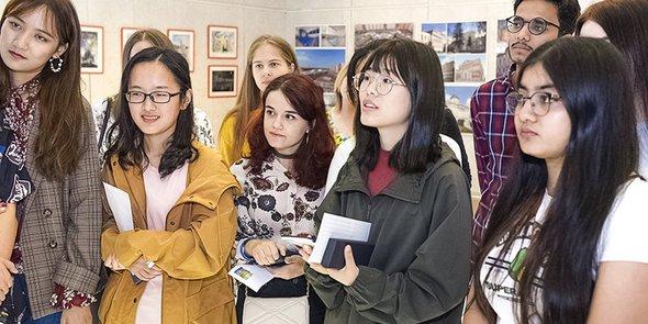 В Москве открылась международная лингвистическая школа