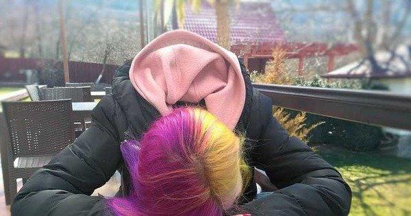 Прокуратура требует от школ Великих Луков отменить запрет на окрашивание волос