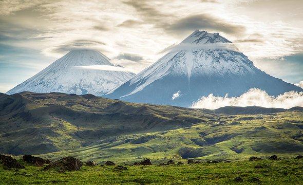 Камчатские вулканы. Фото: Shutterstock / Vita Fortuna