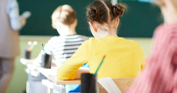 Крымским школьникам продлили осенние каникулы