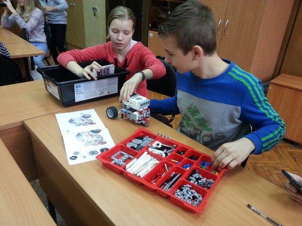 Робототехника на уроке в школе №1788