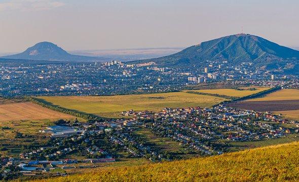 Панорама города Минеральные Воды. Фото: Shutterstock / Grigory Lugovoy