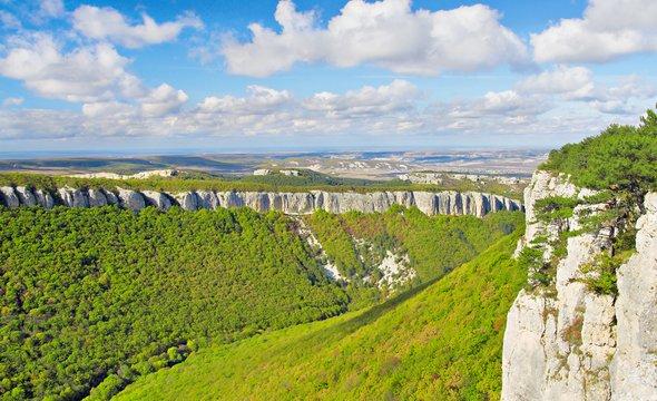Большой каньон Крыма. Фото: Shutterstock / Aleksandr Ozerov