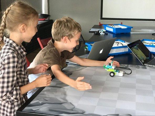 Конструктор LEGO WeDo 2.0 с курсом Кодвардса