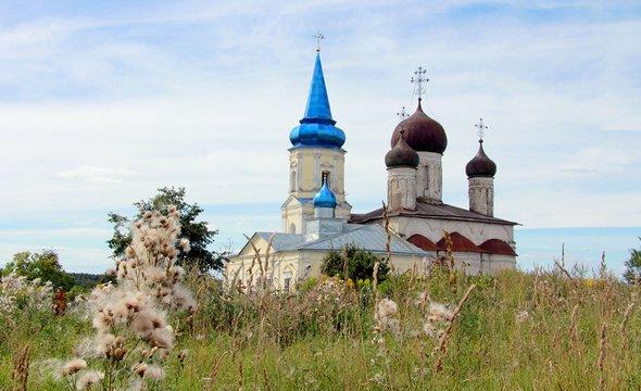 Иванищи. Церковь Успения Пресвятой Богородицы. Фото: Wikimedia Commons / Kate498