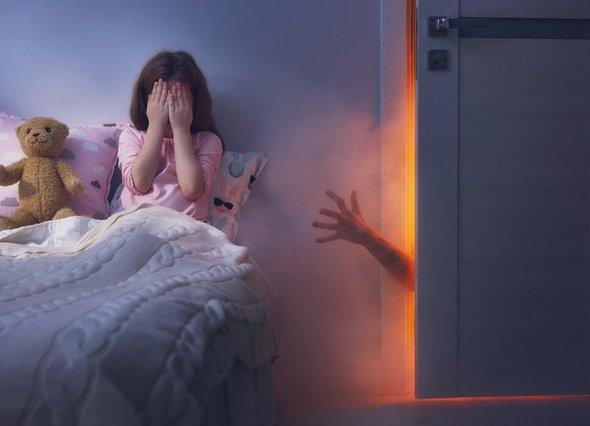 Ребенок боится спать ночью